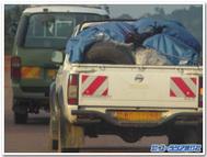 ウガンダで見かけた日本の中古車