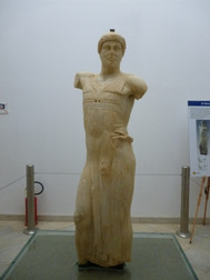 Mozia_statuea_sculptured_figure_2