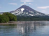 ユーラシア旅行社のカムチャツカツアー:クリル湖のイリインスキー山(標高1577m)