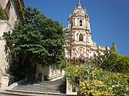 ユーラシア旅行社で行くイタリア、シチリア、モディカの街