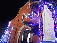クリスマスイルミネーションに輝く青砂ヶ浦教会