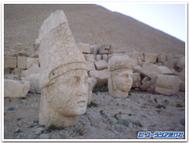 Nemurut_statue2