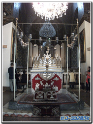 Echmiadzin_church_noahs_arc