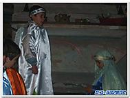 受胎告知を演じる子供たち