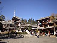 麗江古城の広場、四方街