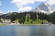ドロミテツアーで訪れるミズリーナ湖