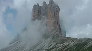 ドロミテツアーで訪れるトレ・チメ・ディ・ラヴァレードを望む展望台
