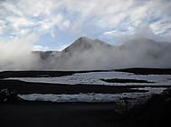 エトナ山山頂火口付近にて