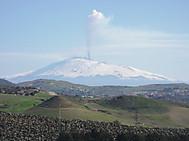 エトナ山。シチリア島、ピアッツァ・アルメリーナ近郊より