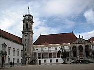 コインブラ大学のラテン回廊と山羊の時計塔