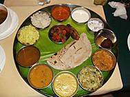 ユーラシア旅行社の南インドツアー、南インドの定食ミールス