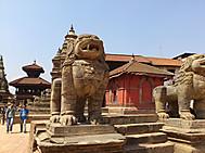 ユーラシア旅行社のネパールツアーで訪れるタンバール広場_