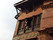 ユーラシア旅行社のネパールツアーで行くカトマンズの街角にて