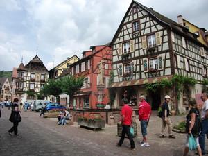ユーラシア旅行社のフランスワイン街道ツアー、カイゼルスベルグにて