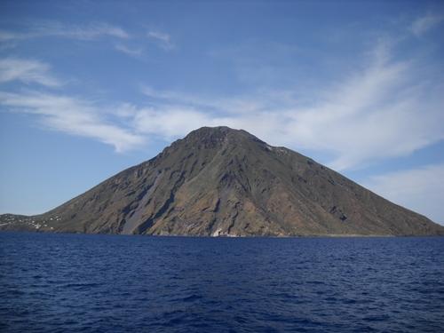 ストロンボリ火山ツアー