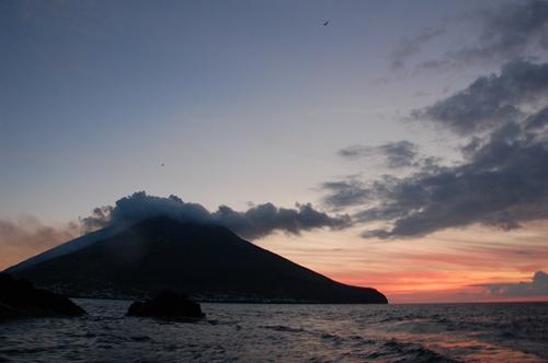 ストロンボリ火山、ツアー