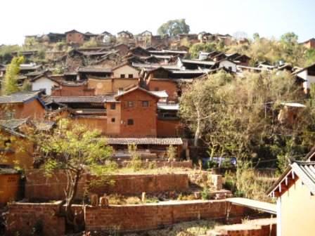 ユーラシア旅行社の中国ツアー、茶馬古道の宿場町・諾鄧村にて