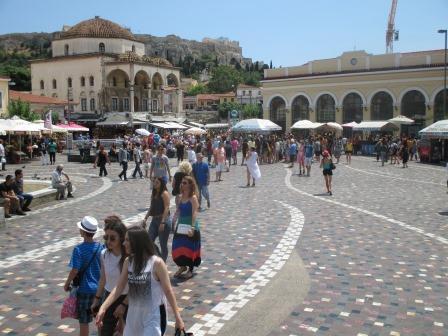 アテネの中心賑やかなモナスティラキ広場150607sgsp_229