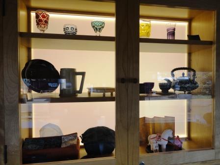 おれんじ食堂の工芸品展示