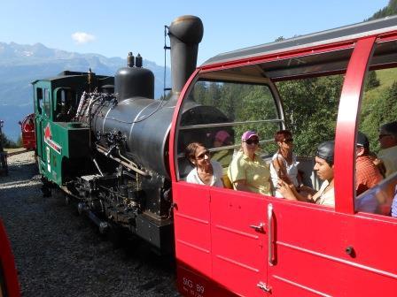 ロートホルン展望台への山岳鉄道(蒸気機関車)