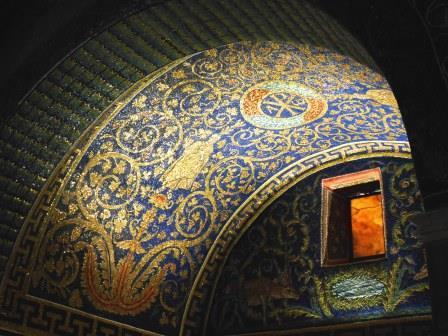 ユーラシア旅行社のイタリアツアー、ラヴェンナ、ガラ・プラチディア廟