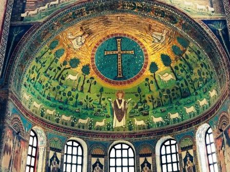 ユーラシア旅行社のイタリアツアー、ラヴェンナ、サンタポリナーレ・イン・クラッセ教会