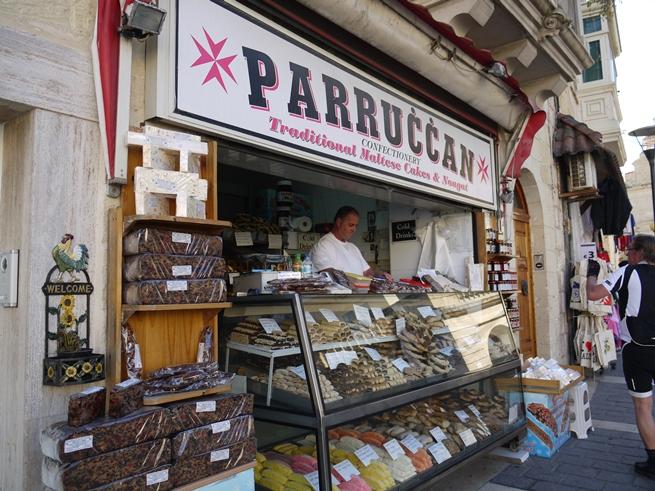 マルタ島ラバトのお菓子屋さん