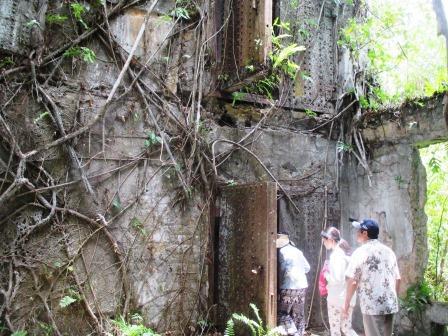 ペリリュー島の日本軍司令部跡