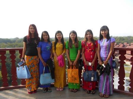 ミャンマー人女性たち