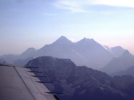 ユーラシア旅行社で行くネパールツアー、エベレスト遊覧飛行にて