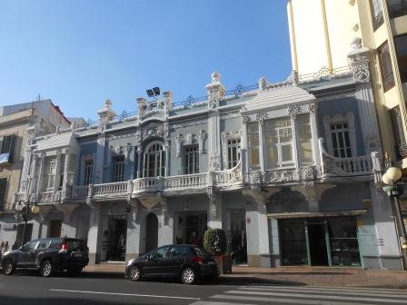 メリリャのモデルニスモ建築