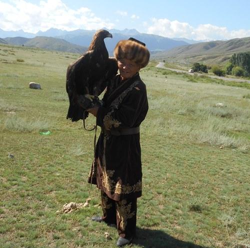 キルギスの鷹狩(イメージ)