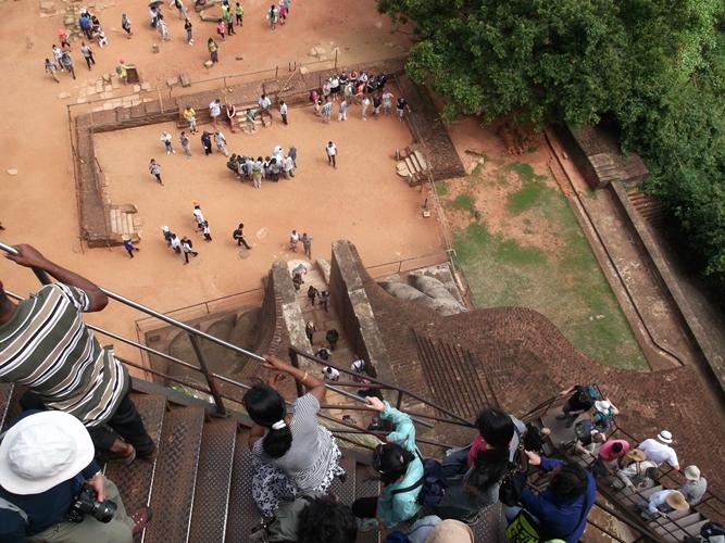 シギリヤロックの頂上への階段
