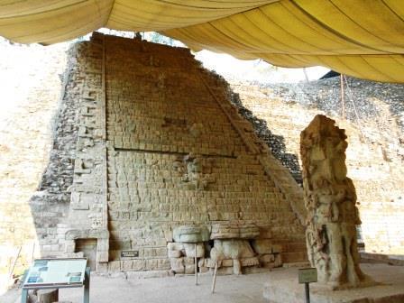 神聖文字の階段/コパン遺跡