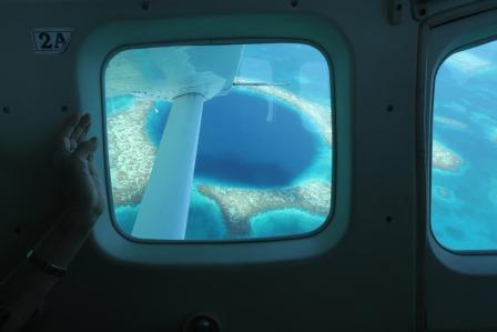 ブルーホールの遊覧飛行