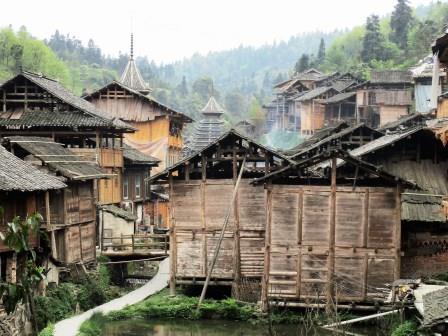 黄崗トン族村
