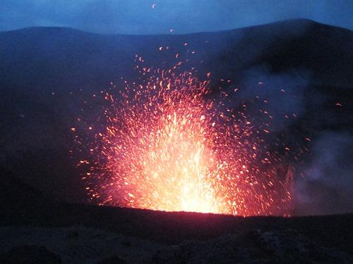 バヌアツのヤスール火山