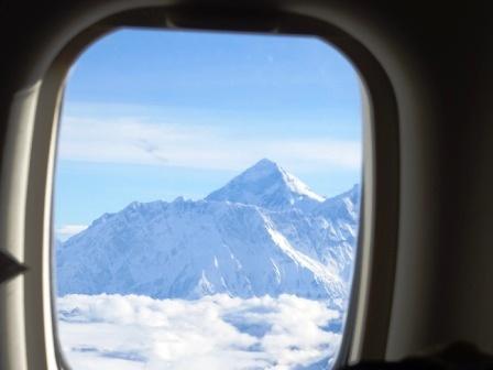 エベレスト遊覧飛行で出会えたエベレストの頂き