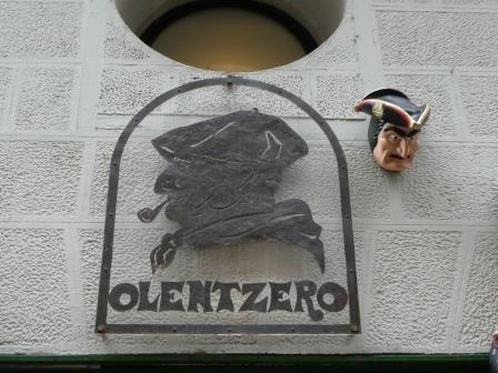バスク版サンタはオレンツェロ