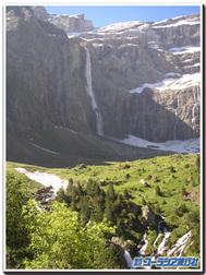 ガヴァルニー圏谷の滝