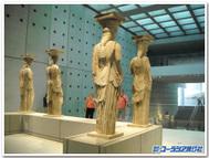 ギリシャ、アテネのエレクティオン神殿のカリアティデス