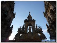 背後から拝む聖ヤコブ像