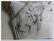 ロバに乗るバラム(フランス、ソーリュー、サンタンドージュ教会の柱頭彫刻)