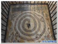 サン・デメトリオ・コローネの「聖アドリアーノ聖堂」