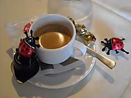 コーヒーとテントウ虫チョコ