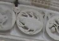 フランス、ウェズレーのサンマドレーヌ教会の、蟹座