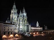 スペイン、サンティアゴ・デ・コンポステラ、夜の大聖堂