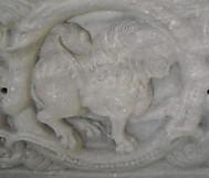 イタリア、サクラ・ディ・サンミケーレの獅子座