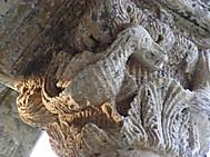 イタリア、プーリア州、サンタ・マリア・ディ・チェッラーテ教会柱頭