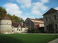 フランスの世界遺産フォントネー修道院の秋